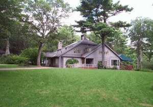 Whispering_Pines_Main_Lodge[1]